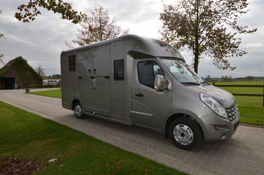 camion stx 5 places haras rallonge srm vans raynaud. Black Bedroom Furniture Sets. Home Design Ideas